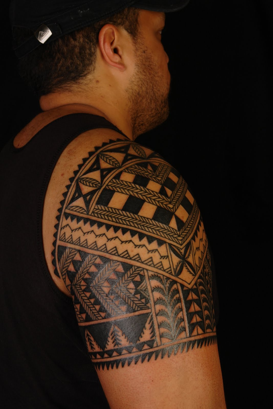 MAORI POLYNESIAN TATTOO: Niuean Shoulder Tattoo On Marlon