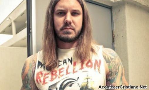 "Cantante ""cristiano"" de heavy metal Tim Lambesis"