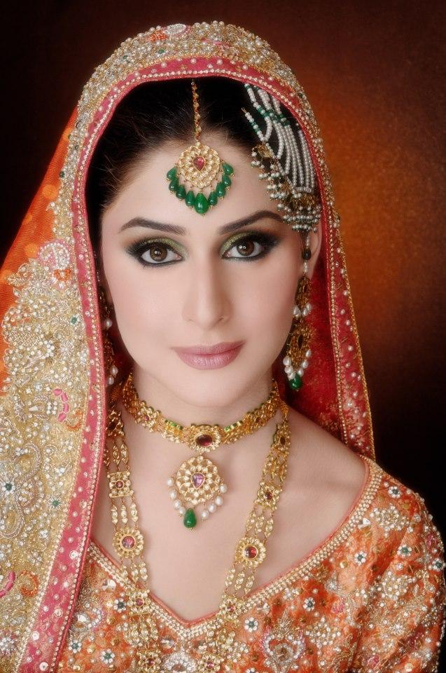 Fashion World Latest Fashion: Pakistani Brides Bridal Make