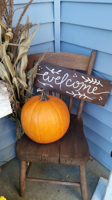 Fall Autumn porch stoop outdoor decor