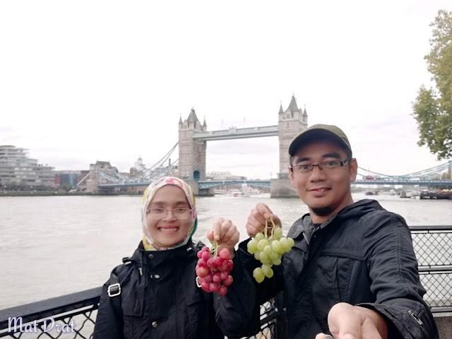 Trip London - Tower Bridge dan Tower of London Makan