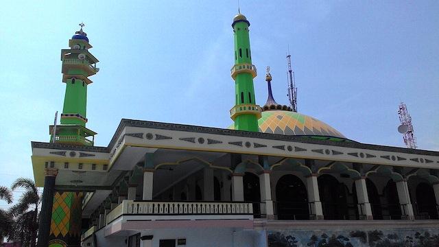 masjid pelabuhan kamal madura