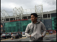 Kencing di Stadium Manchester United (Old Trafford)