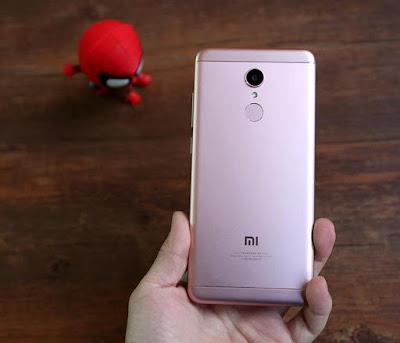Xiaomi Redmi 5 Unboxing & Photo Gallery
