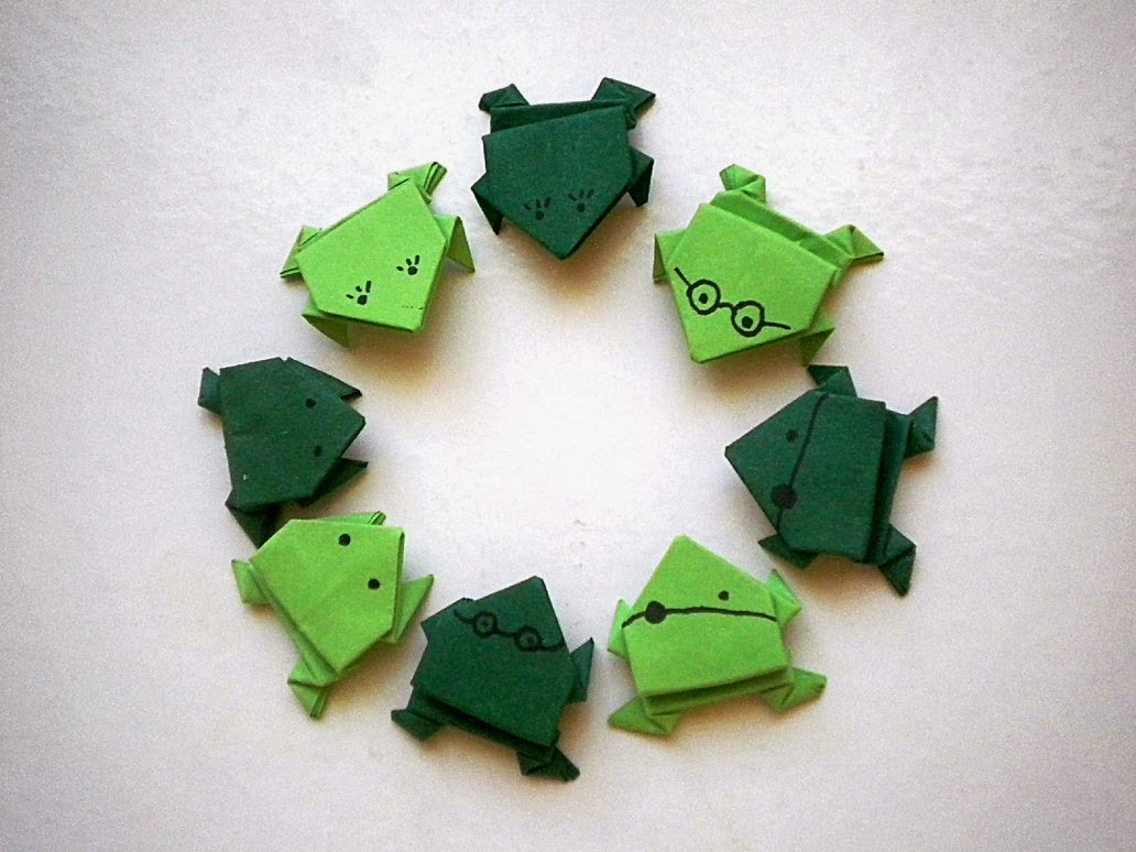 origami frogs, origami tutorials, origami, frogs, how to make an origami frog, paper crafts, origami paper frogs