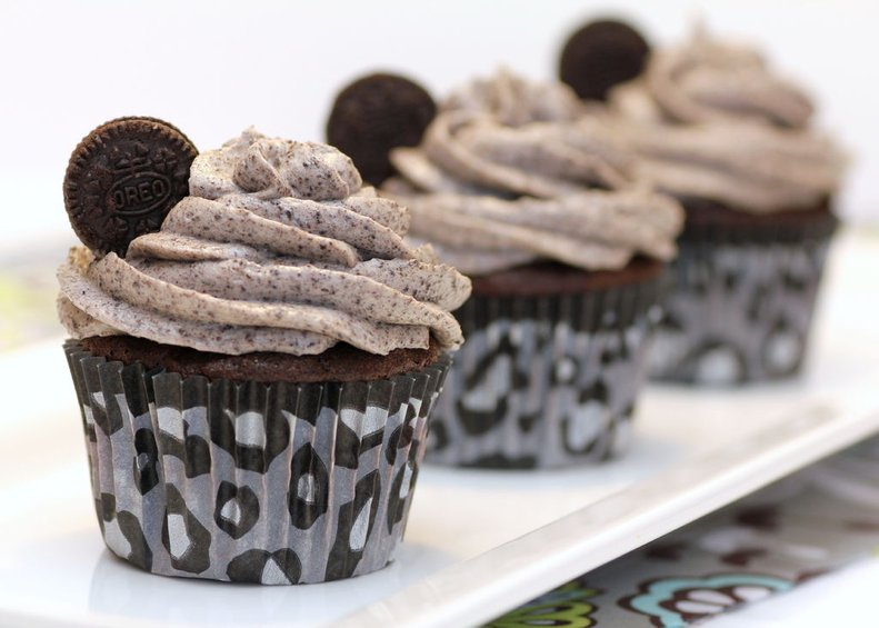 THE BEST DEATH BY OREO CUPCAKES