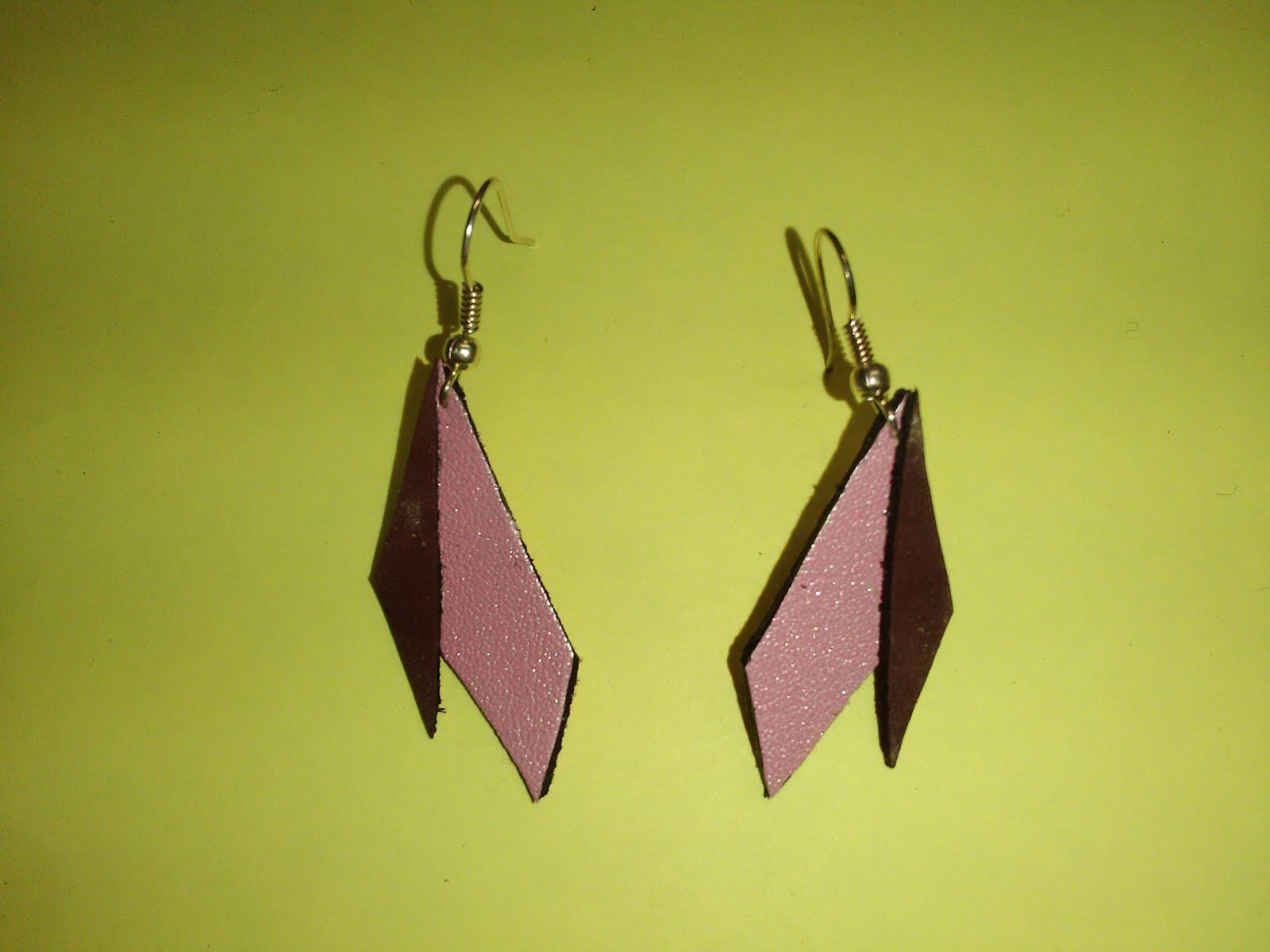 3d74c3fbfa4 Petite maroquinerie et bijoux artisanaux en cuir unique et fait main