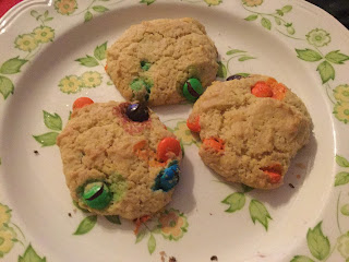 Adaptable cookie recipe, cookie recipe with mix-ins, good cookie recipe, cooking with M&Ms