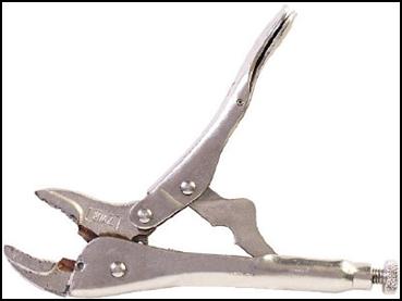 Vice Grip atau Locking Pliers.