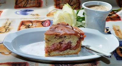 Pflaumenkuchen mit Nüssen