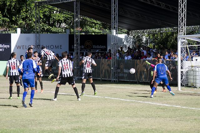 Goles de Porcari y De la Cruz  dan triunfo a Atlético Vega Real