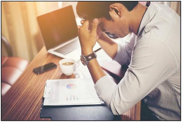 Kebiasaan kerja lembur memicu stress