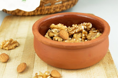 Nuts and oilseeds