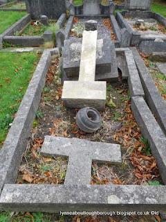 Loughborough cemetery memorials