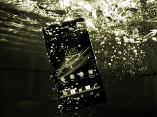 phone pani main