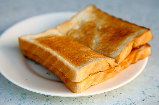10 Sebab Utama Kenapa Roti Putih Bukan Sajian Yang Elok Semasa Bersarapan?