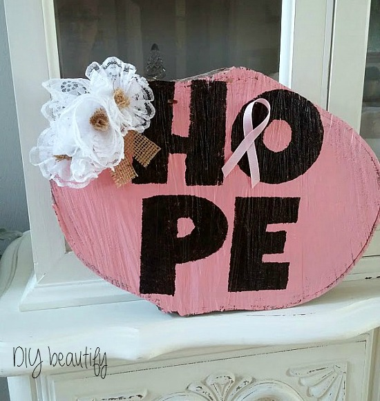 breast cancer awareness wood slice www.diybeautify.com