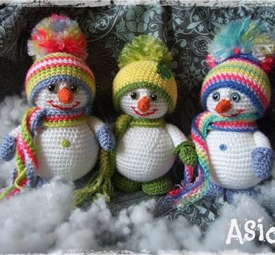 Снеговики амигуруми крючком