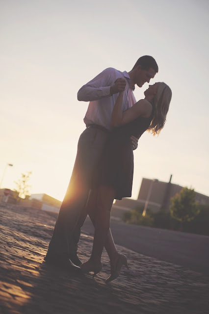 romantic engagement in sioux city street