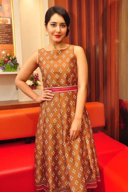 Raashi Khanna latest Images