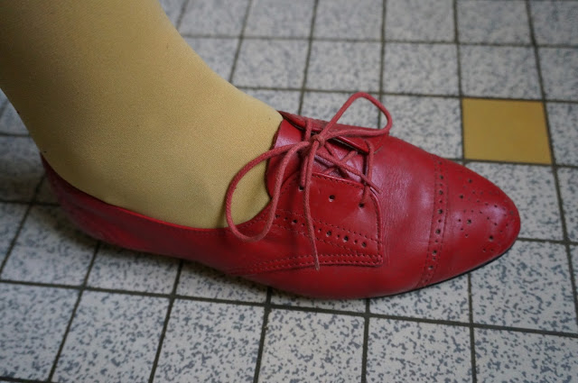 des brogues rouge en cuir souple  vintage red soft leather brogues oxford