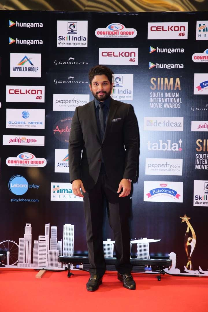 Telugu actor Allu Arjun won the Best Actor Critics Award for his performance in Rudhramadevi
