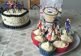 Baking Mad Pirate cake and cupcakes