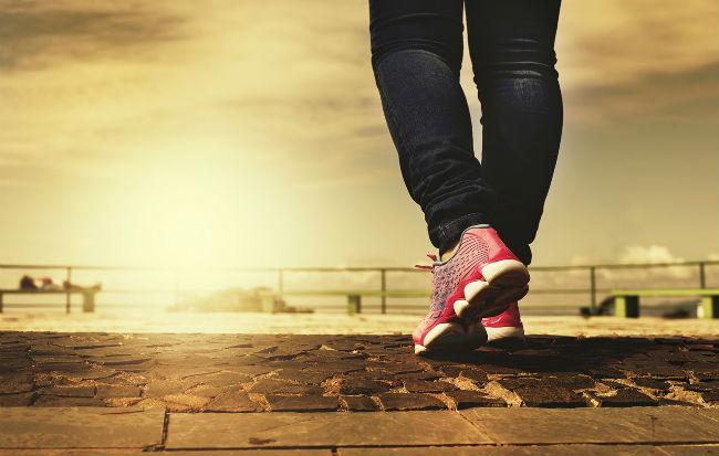 Piedi e gambe in movimento