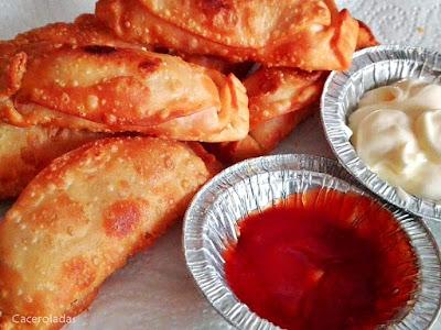 bastoncillos de jamón y queso con obleas