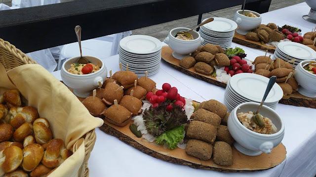 Bavarian welcome snack, Texas wedding in Germany, Bavaria, Garmisch-Partenkirchen, Riessersee Hotel, wedding destination location, wedding planner Uschi Glas, alps and lake-side wedding