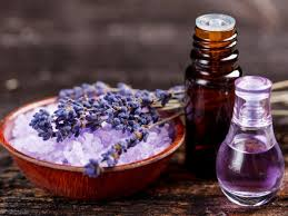 How Lavender Oil is Applied to the Skin, What Are the Benefits on Health and Beauty