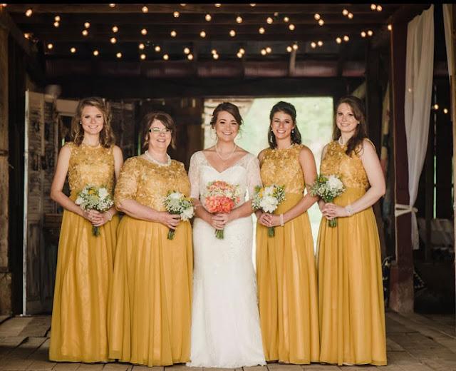 robes de demoiselle d'honneur jaune longues haut en dentelle