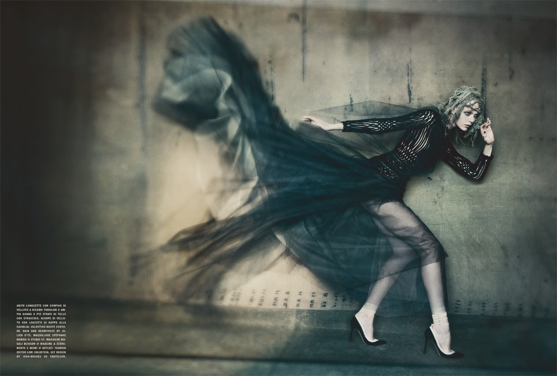 Frida Gustavsson in 'the Haute Couture' by Paolo Roversi and styled by Lori Goldstein for Vogue Italia September 2011 | Ses Rêveries | Ses Rêveries