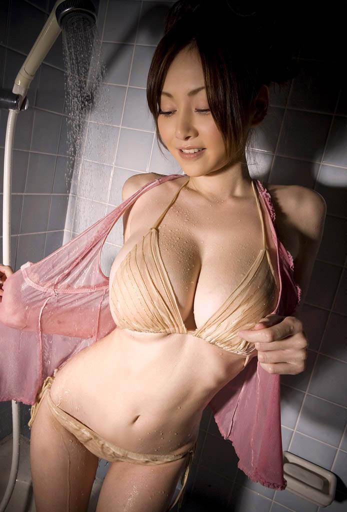anri sugihara hot bikini pics 01