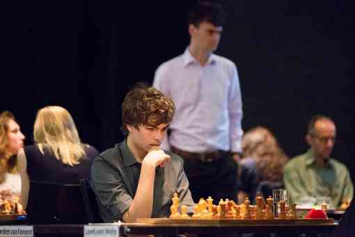 Il stoppe Loek van Wely dans sa course pour son 8ème titre de champion des Pays-Bas - Photo © Harry Gielen pour le site officiel