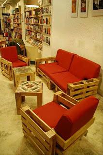 muebles para biblioteca hechos con palets de madera