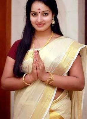 Malayalam actress Malavika saree navel show images