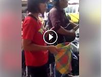 Orang Batak Ini Bantu Tunanetra Mengamen, Jutaan Orang Pun Salut
