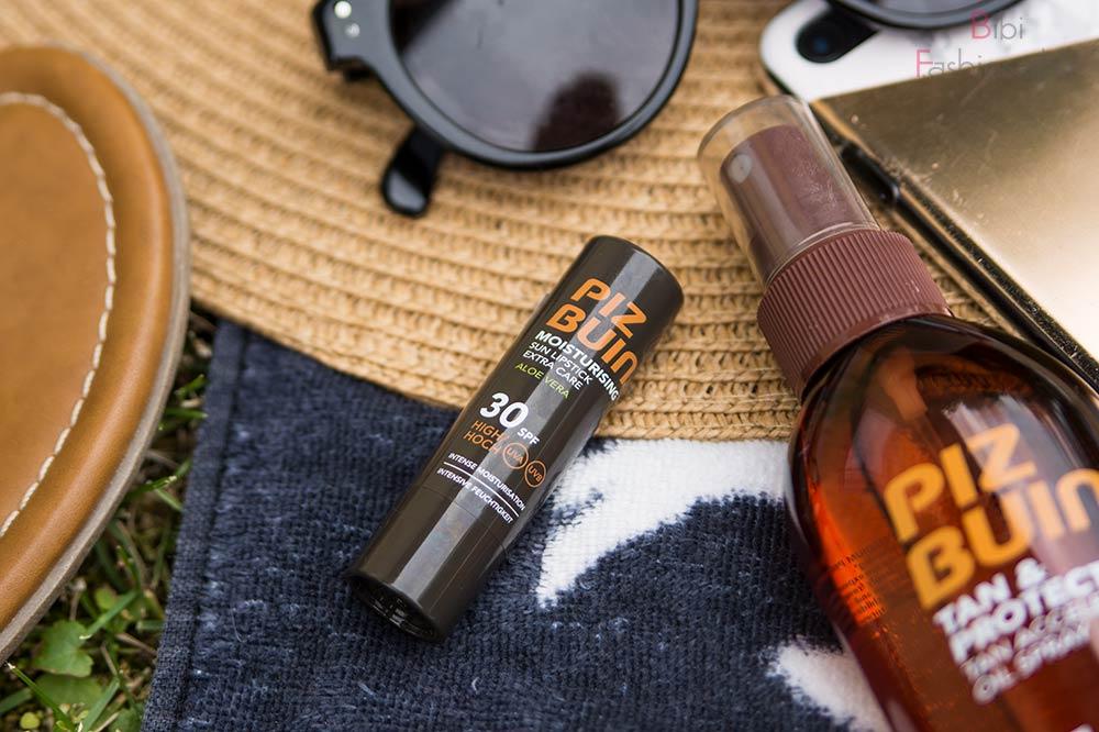 5 Summer Essentials Beauty Piz Buin Moisturising Sun Lipstick
