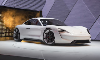 The electric Mission E concept at IAA 2015 (Credit: porsche.de) Click to enlarge.