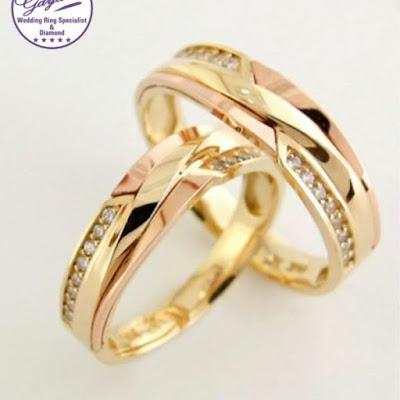 cincin tunangan kanan atau kiri