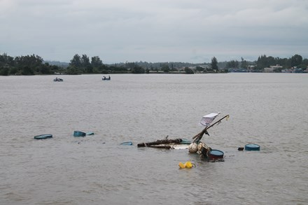Quảng Ngãi Ngừng tìm kiếm 4 ngư dân mất tích trên biển