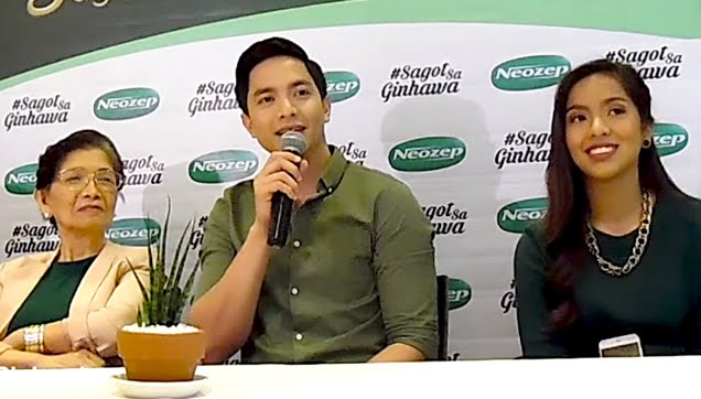 Alden Richards together with his grandmother and sister