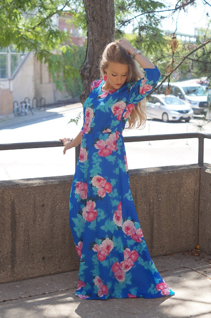 chicago fashion blogger blue maxi dress