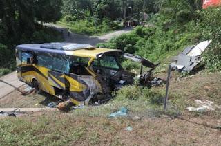 kecelakaan bus di malaysia