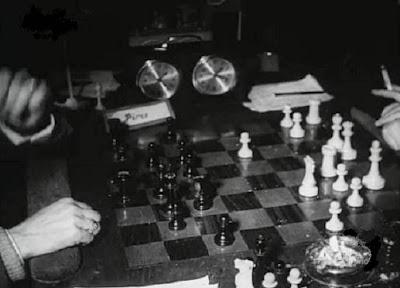 Otra vista de la partida de ajedrez Ridameya-Piris del Torneo Triangular Internacional Madrid - Lisboa - Barcelona
