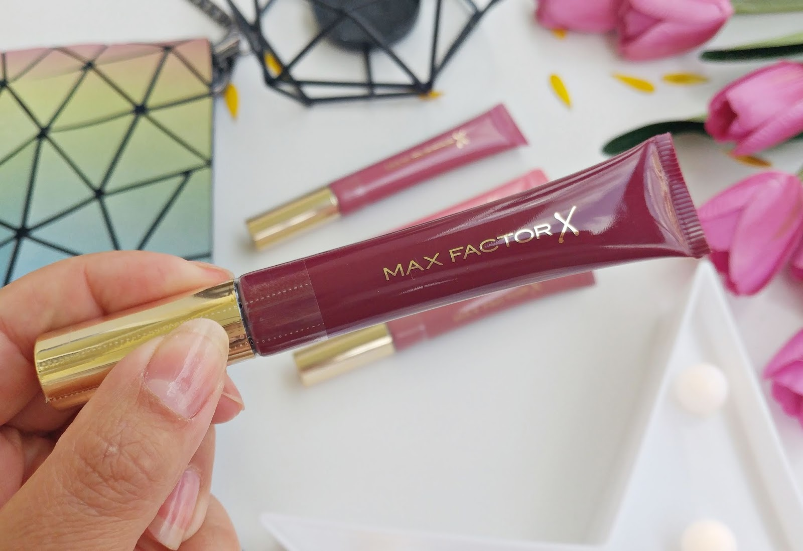 Colour Elixir Lip Cushion od MAX FACTOR