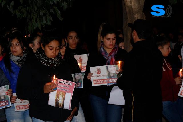 El comisario Duarte brindó detalles a familiares de Nayara durante la marcha