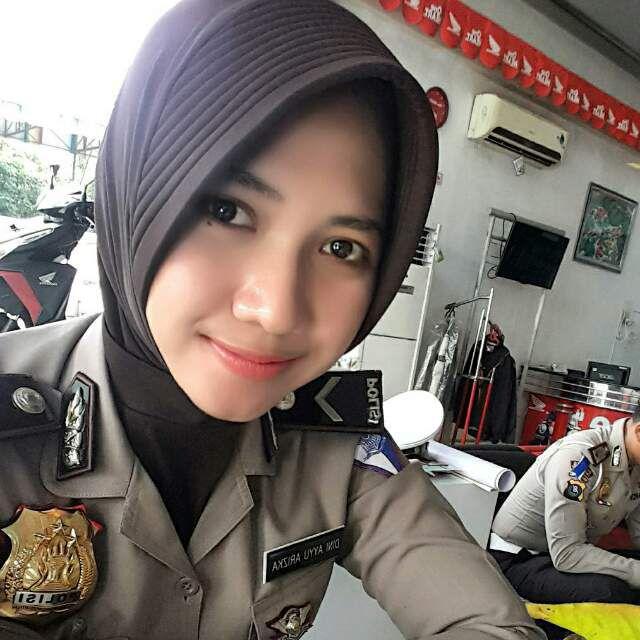 update terbaru foto polwan cantik indonesia berhijab