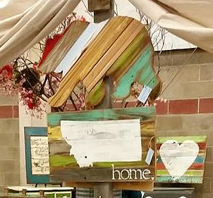 Montana, bear, sign, Grizzly, home, reclaimed wood, pallet sign, show, display, http://bec4-beyondthepicketfence.blogspot.com/2016/04/another-show-in-books.html